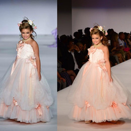 2019 Cute Flower Girl Dresses Strapless with Big Bow Beads A Line Girls Pageant Gowns Toddlers First Communion Gowns for Wedding Party