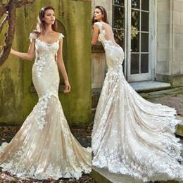 2020 Glamorous Plus Size Mermaid Lace Backless Wedding Dresses Long vestido de novia Scoop Cap Sleeves Appliques Bridal Gowns