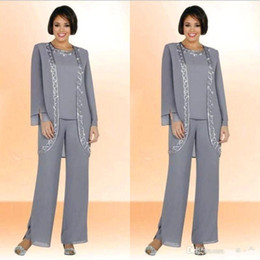 Elegant 2019 Chiffon Jewel Long Mother Of The Bride Pant Suits With Long Sleeve Jacket Cheap Embroidery Formal Suits Custom Made