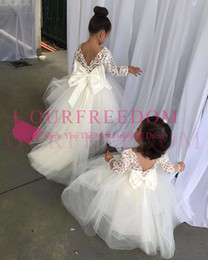 2019 Lovely Long Sleeve Flower Girls Dresses With Bow Floor Length A Line Tulle First Communion Dresses Girls Pageant Gown Custom Made