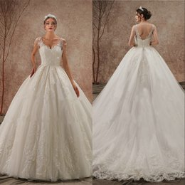 2020 Arabic Vintage Wedding Dress hochzeitskleid Crystal Lace Applique Fluffy Ball Gown V-neck Straps Lace-up Corset Bridal Gowns
