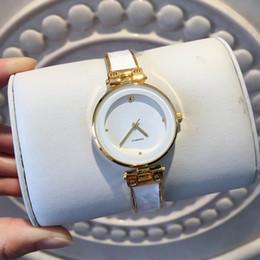 2019 Nuevo estilo reloj de moda Venta caliente mujeres populares relojes de pulsera Reloj de cuarzo Reloj casual para mujer Reloj de lujo vestido de calidad superior