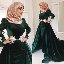Dark Green Velvet Muslim Prom Dresses High Neck Appliqued Plus Size Evening Gowns Long Sleeves Hijab Kaftan Dubai Overskirt Formal Dress