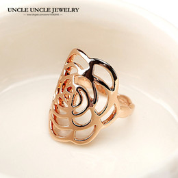 Brand Design Rose Gold Color Hollow Out Camellia Flower Element Fashion Woman Finger Ring Wholesale