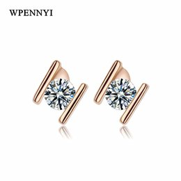 Rose Gold Color Small H Letter Design Clear Zirconia Studded Women Stud Earrings Wholesale Fashion Accessories