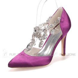 Wholesale Rhinestones High Stiletto Heels Wedding Shoes with Pointed Toe Bridal Evening Party Prom Bridesmaid Dresses Shoes Black Purple Red Sandals