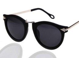 Wholesale New Fashion Classic Cat eyewear Vintage Clubmaster Rivet Metal Coating sunglass sun glasses women brand designer with Black box