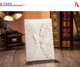 Wholesale Chic White Flower Cut out With butterfly Free Personalized Customized Printing Wedding Invitations Cards