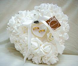 Cristales blancos de colores perla nupcial almohadilla anillo portador de organza de encaje de flores de raso de novia Rose Almohada Material de boda moldeado favores de la caja
