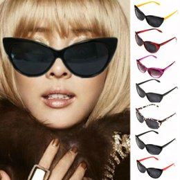 Wholesale 2015 Attractive Womens Tip Pointed Classic Cat Eye Glasses Fashion Shades Vintage Retro Sunglasses Colors