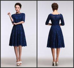 2017 Кружева Royal Blue Вечерние платья длиной до колен Real Модель Показать 1/2 рукава линия вечерние платья Короткие платья партии платья невесты