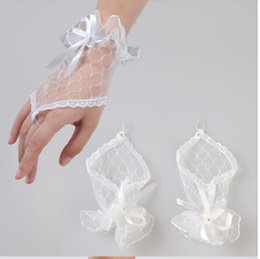 Wholesale Hot Sales White Lace Bridal Gloves Fingerless Excellent Quality Waist Length In Stock Bridal Accessories Wedding Gloves T578