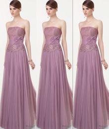 Wholesale Elegant Charming Strapless A Line Long Evening Dresses Lace Upper Dress Evening Wear Peplum Tulle Formal Dresses Wedding Party Dress