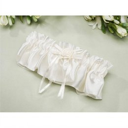 Wholesale New Style White Ivory Wedding Garters with Flowers New Wedding Accessories Bridal Garters