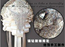 Wholesale Super Luxury Wedding Flowers Crystals Rhinestones Sparkling Bridal Bouquet Satin Flowers Garden Church Beach Wedding