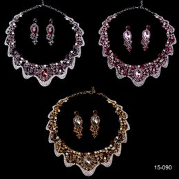Wholesale Cheap Bridal Jewelry Sets Rhinestones Crystal Statement Necklaces and Clip Earring Gold Purple Fuchsia Women Prom Party Dresses Accessories
