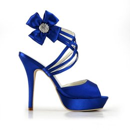 Cheap blue wedding shoes for bride | Top wedding USA blog