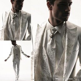 Wholesale 2015 Western Style Men Tuxedos Business Suit Brand Boss Dress Suit For Mens Wedding Formal Business Boys Suits Groom White Tuxedos Tailcoat
