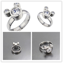 Wholesale Womrns Rings Fashion Womens Mickey Model and Diamond Ornament Rings Hot Lady Stainless Steel and Environmental Ring