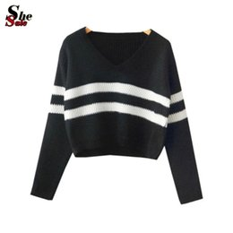 Wholesale Women s Knitting Fashionable Jumpers High Street New Arrival Ladies Long Sleeve Black V Neck Striped Crop Knit Sweater