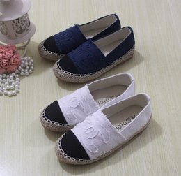 Wholesale Double C CC Boys Girls Shoes Children Korean Style Brand C Letter Canvas Shoe Kids Fisherman Footwear Yard Red White Blue I3327