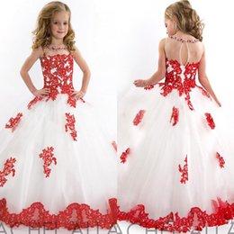 Платья на шея красное с белом
