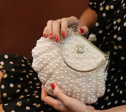 Wholesale New Arrival Cameo Shell Pearls Bridal Hand Bag Crystal Clutch Evening Bags Handbags Diagonal Packet For Formal Special Party Occasion