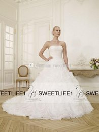 Wholesale 2015 Vintage Winter Wedding Dress Ball Gown Strapless Pleated Organza Plus Size Ball Gown Lace up Back Chapel Train Hot Sale Wedding Gowns