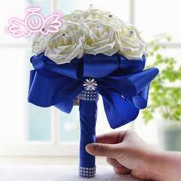 Wholesale Hot Sale Cheap Bridal Bouquet Wedding Decoration Artificial Bridesmaid Flowers Crystal Pearls Silk Rose Adornment Ivory Royal Blue Ribbon
