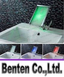 Température Lumière LED Robinet cascade Bathroo Robinet Pas besoin de batterie 3 LED de couleur Salle de bain cascade LLFA4665F contrôlée