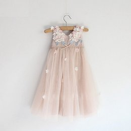 Wholesale Hug me new spring summer girls Childrens Princess sleeveless party flower bow lace tutu fashion dress EE
