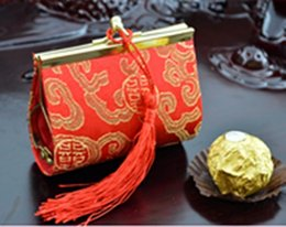 Wholesale Novelty Handicraft Tassel Small Wedding Candy Favor Boxes Decorative Silk printed Gift Packaging Cases mix Color