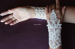 Wholesale 2015 Cheap Lace ivory bridal gloves Appliques Beads fingerless wedding gloves Length With Ribbon Bridal Gloves Wedding Accessories glove