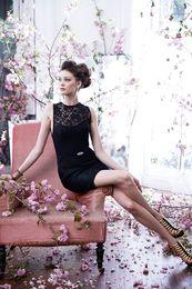 Wholesale Cheap Black Lace Bridesmaid Dresses Sheer Jewel Neckline Short Prom Skirt Sheath Sleeveless Sexy Cocktail Dress