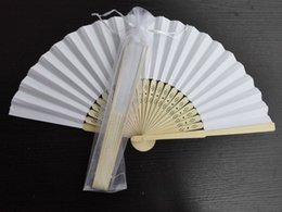 Wholesale 20Pcs White Wedding Favor Hand Made Brial Fasion Accessories Chinese Folding Bamboo Paper Hand Fan With Organza Gift Bag