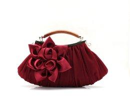 Wholesale New Hasp Bridal Handbags Satin Handmade Flowers Clutch Bags Bridal Hand Bags Red White Purse Elegant Wedding Accessories