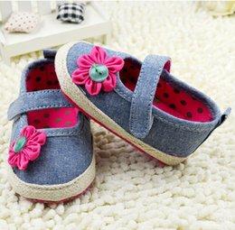 Wholesale princess shoes Velcro toddler shoes soft bottom children shoes denim flower baby shoes Fall newborn shoes pairs C