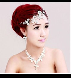 Wholesale 2015 Luxury Wedding Bridal Set Bride Crown Tiaras Necklace Earring Crystal Butterfly Wedding Accessory Summer Beach In Stock Cheap QM