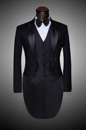 Wholesale Male Custom Groom Prom Suit Mens Tuxedo Black And White Wedding Suits For Men Suits Slim Fit Suit Coat Man Plus Size Blazer A3