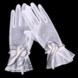 Wholesale Fashion Sheer Fingers Lace Pearls Tulle Bridal Gloves Hot Sale Sexy Short Bow Wedding White Applique Bridal Gloves