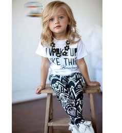 Wholesale Summer I Woke Up Like This Letter Geometry Printing Children Girls Tshirt Pants Sets Kids Tee Shirt Tops Trousrs Outfits Casual D5018