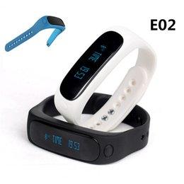 E02 Sport pulsera bluetooth reloj inteligente Silicona Wristband tiempo / identificador de llamadas / alarma / podómetro Monitor de sueño para IOS Android