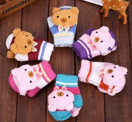 Wholesale 2015 Brand New Baby s Winter Knitting The Bear Pattern Gloves Warm Gifts Christmas Warmer