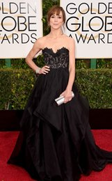 Wholesale Sexy Black Celebrity Dresses For Frances O Connor Golden Globe Awards Charming Red Carpet Dresses Lace Sweetheart Ruffled Gown Cheap DH