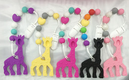 Wholesale bpa Silicone baby Teething pendant clips silicone Teething Pacifier Clip with large giraffe pendant heart chew beadswholesale