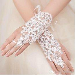 Wholesale Hot Sale New Style Rhinestone Lace Short Bride Gloves Wedding Gloves Fingerless Wrist Length White Ivory In Stock