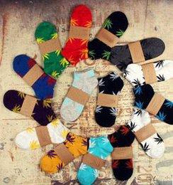 Wholesale Mens socks Weed socks Leaf Socks socks For Wome Cotton sports socks Skateboard socks Harajuku Couples socks