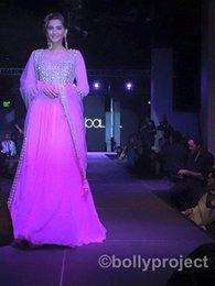 Wholesale Stunning Crystal Bead Sequins Luxury Long Formal Evening Dresses Sexy Sonam Kapoor Red Carpet Celebrity Dress Elegant Prom Gowns Vestidos