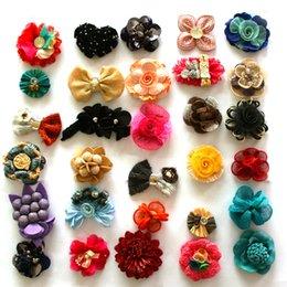 Wholesale 20pcs Crazy Sale Random Linen Fabric Flowers Kids Women Appliques Garment Sewing Hair Accessories Artificial Flowers Brooch