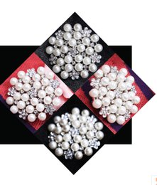Wholesale 2015 Luxury Wedding Brooch With Crystal Pearl Bridal Accessory Womens Brooches For Wedding Evening Prom Party